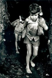 Children working in mine